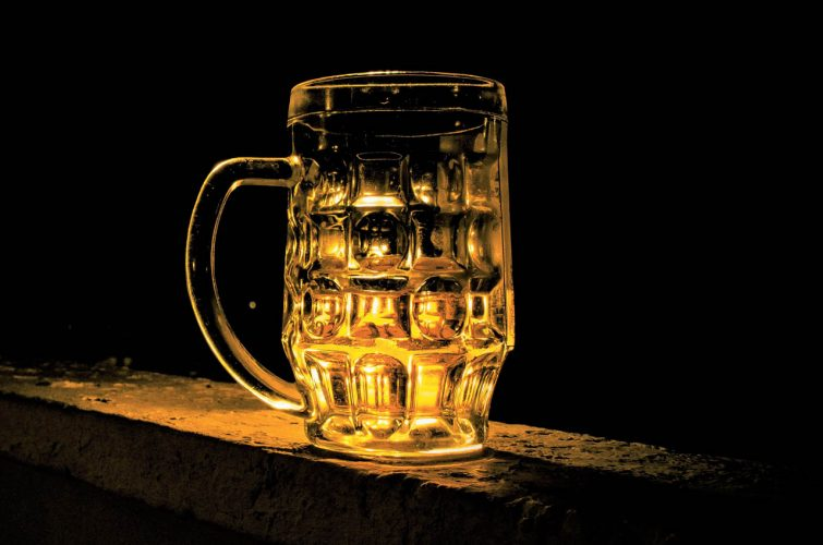 Craft beer dakota beer pub elliniko 13A region argyroupolh area beer culture - 1