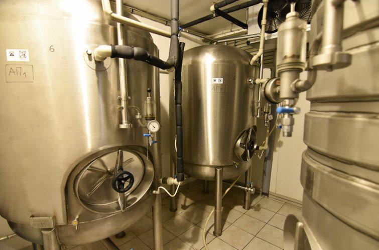 Stainless steel beer tank dakota beer pub elliniko argyroupoli glyfada region - 3