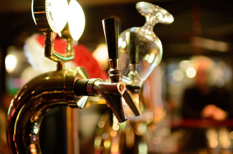 Tap beer tower athens craft beer pub excellent beer southern suburbs ilioupoli argyroupoli glyfada regions dakota pub - 23