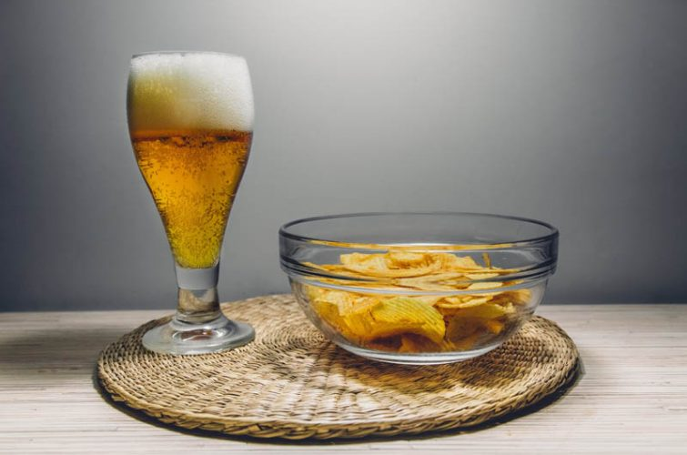 Craft beer glass with chips at athens beer pub southern suburbs dakota beer pub ilioupoli argyroupoli glyfada regions - 29