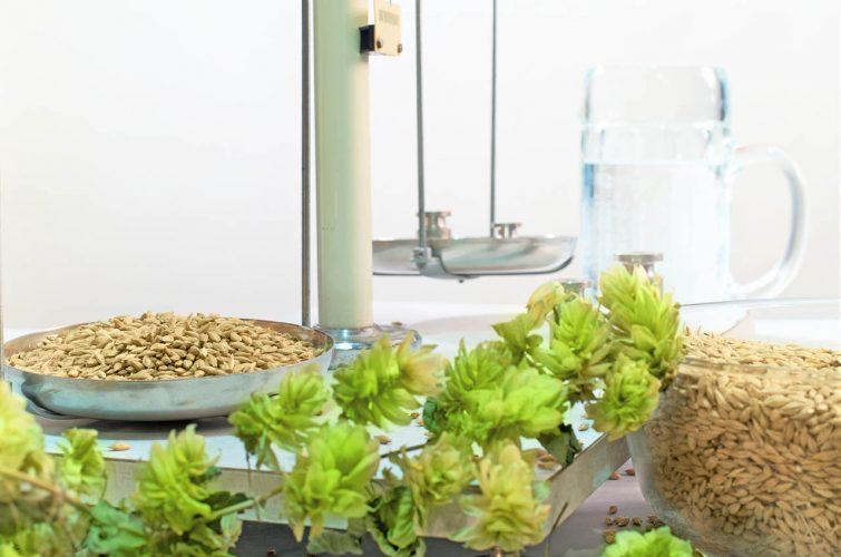 Scale ingredients hops for beer pub craft draft best beer dakota pub argyroupoli elliniko region - 6