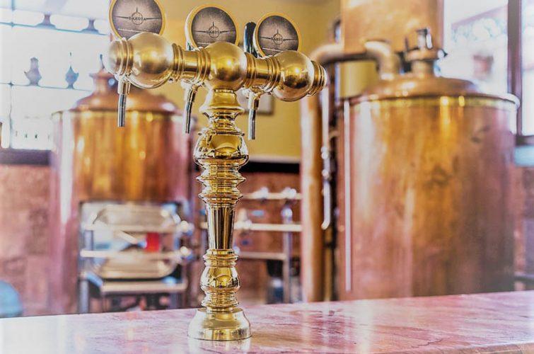 Draft beer tower dakota beer pub craft vibes good food argyroupolh ilioupoli region (3) - 7